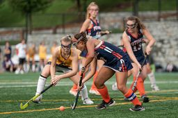 Varsity Field Hockey Improves to 5-1