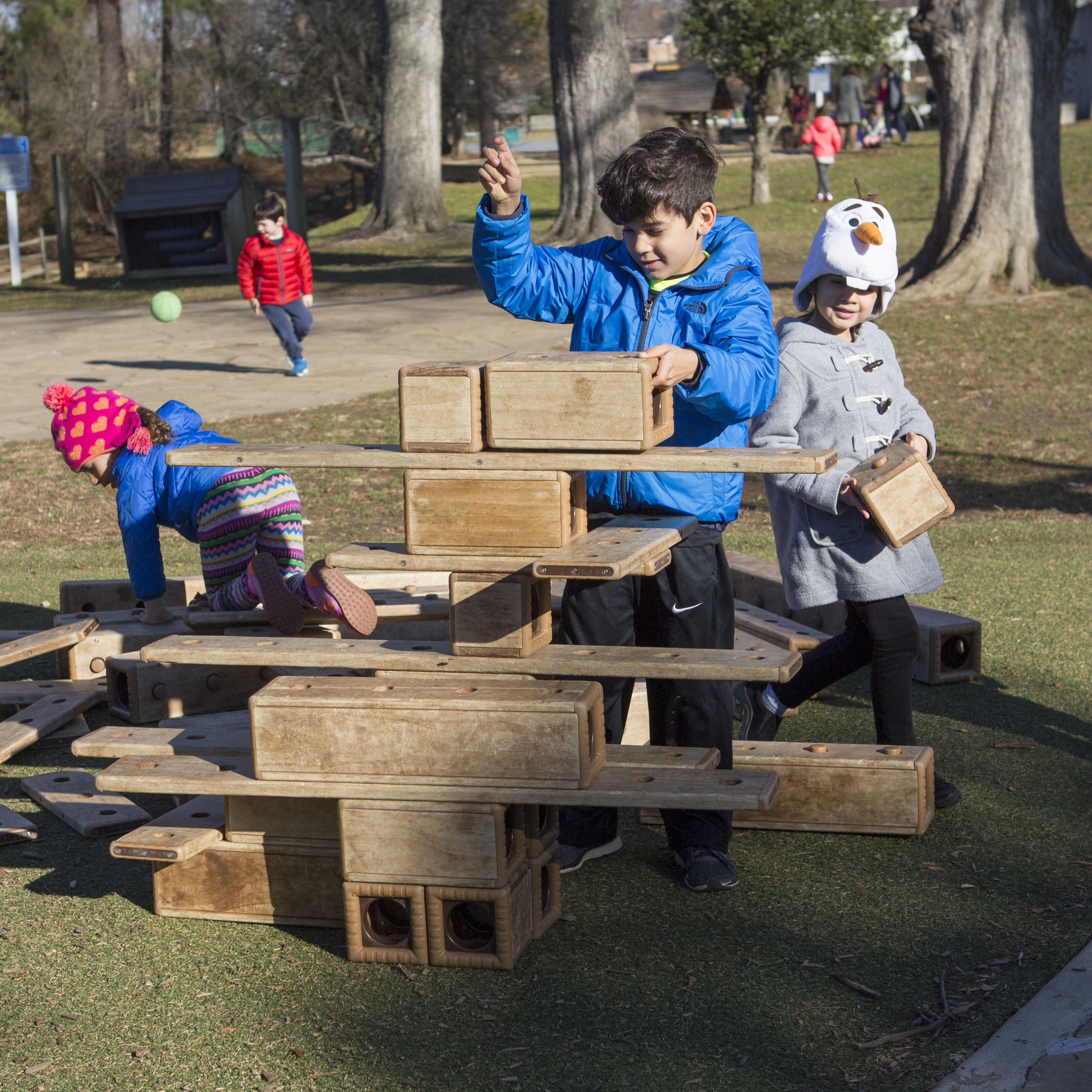 Learning Happens Everywhere Public >> Lower School Potomac School